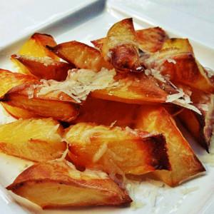 cartofi copti parmezan