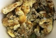 Scrambled eggs cu fulgi de ovăz și oregano aromazen