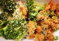 Pui cu broccoli la tigaie, stinse cu sos de soia aroma zen