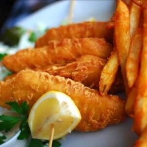 Fish & chips cu sos remoulande