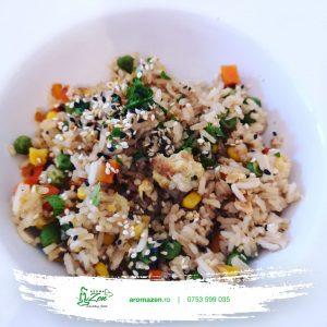 Orez prajit cu ou, ghimbir și sos de soia (1 kg)